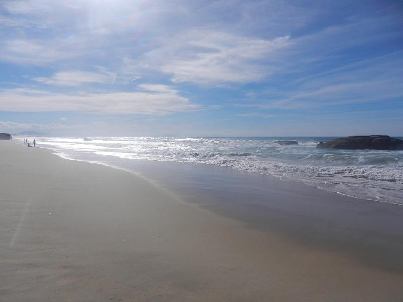 Du côté des Landes océanes et de ses immenses étendues de plages de sable fin....