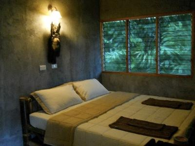 Ban Bangtong Jungle Camp, holiday rental in Phang Nga
