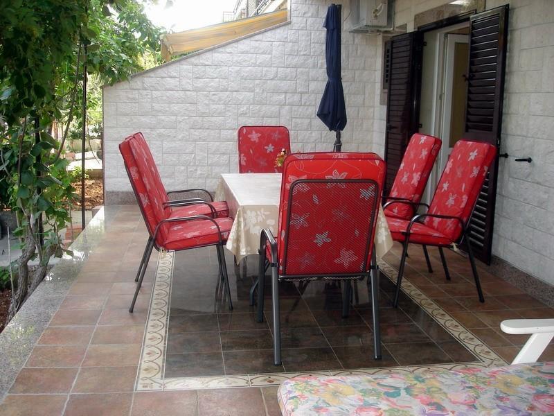 APARTMENT  BUNGALO, Ferienwohnung in Seget Vranjica