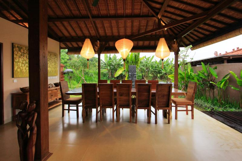 Villa dining area, seating 12 guests.