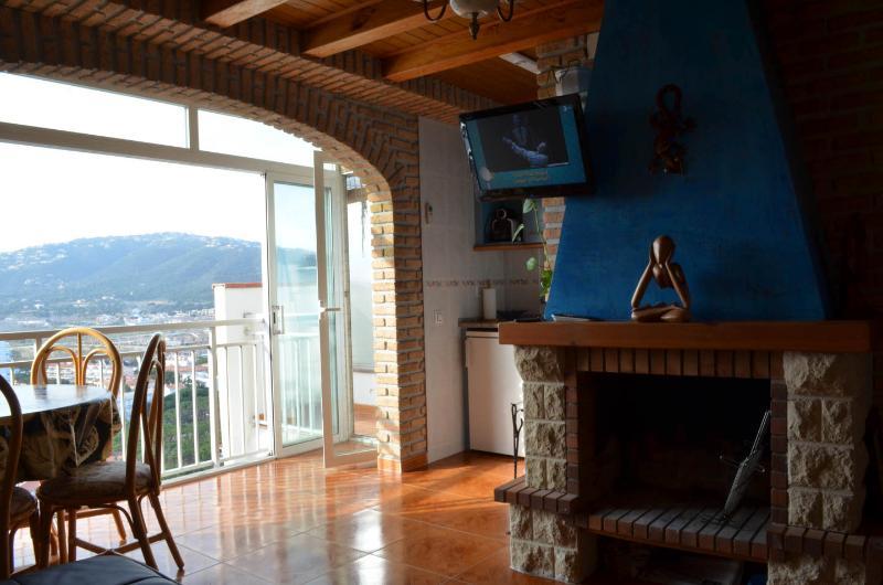 Apartamento  1ª línea de mar Platja d'Aro, holiday rental in Platja d'Aro