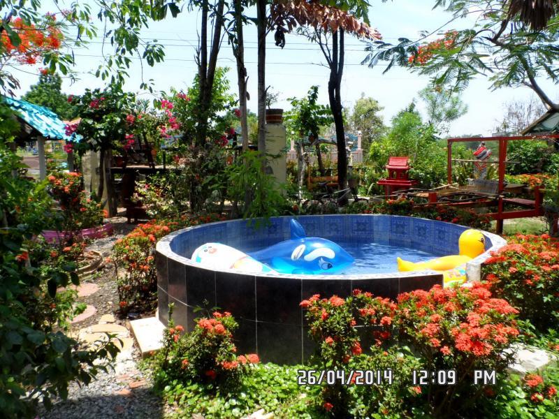 kids/adults splash pool