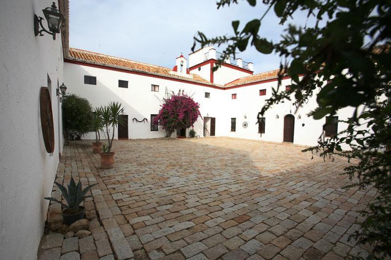 Cortijo Las Arenillas, holiday rental in Arahal