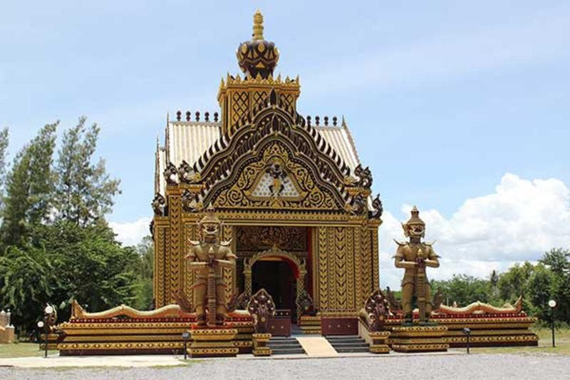 Beautiful Khao Kalok Temple
