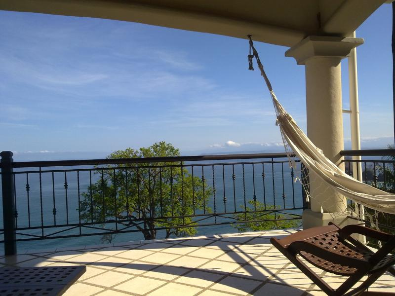 Large home ocean view 4 bedrooms, vacation rental in Puntarenas
