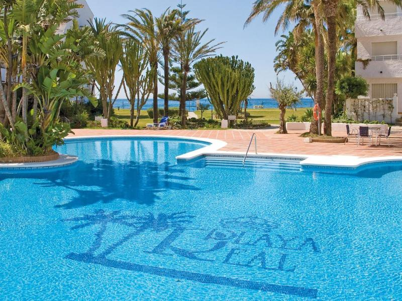 Outdoor Pool with seaview