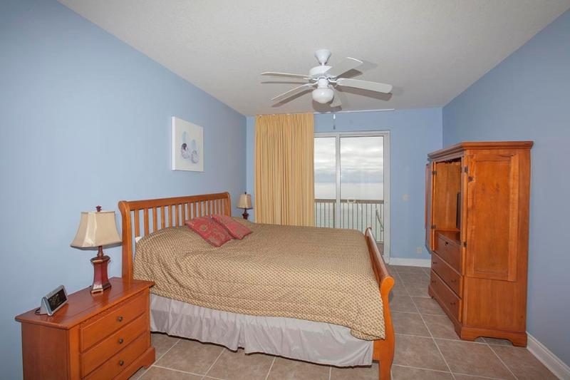 Master Bedroom w/ King Bed & Gulf View