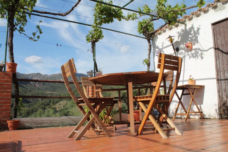 Cal Millo casa con terrazas al Priorat HUTT-008255, holiday rental in Prades