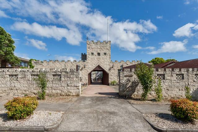 Castello A Mare--Unqiue Castle house in Auckland, holiday rental in Auckland