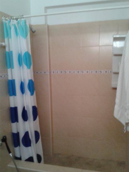 Camera da letto - matrimoniale - bagno completo 2