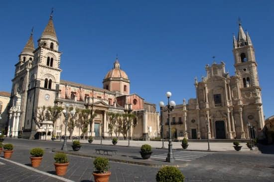 Surroundings: Acireale historical center