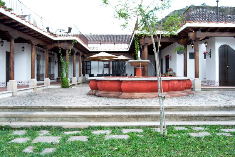 Villas de la Ermita 06 / Patio & Garden