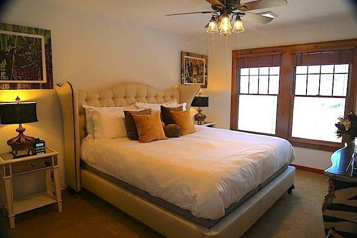 Master Bedroom with full en-suite bath/shower and Tempurpdeic King Bed