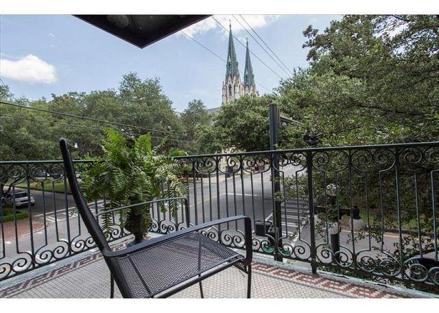 Flexible Refund Policies: Private Balcony on Liberty, Cathedral Views, vacation rental in Savannah