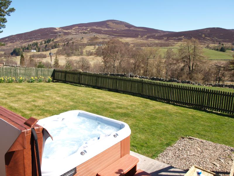 Private hot-tub with stunning views in the enclosed garden