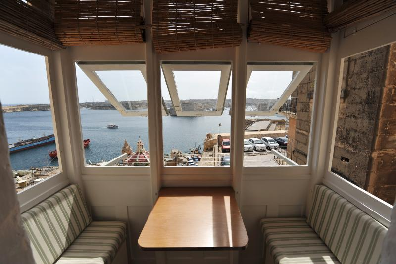 Valletta Studios, vacation rental in Bahar ic-Caghaq