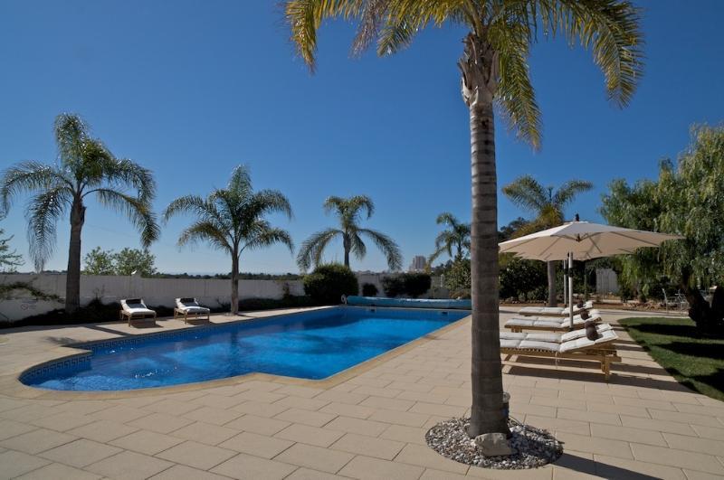 4 avis et 34 photos pour villa tamarra albufeira tripadvisor albufeira location de vacances. Black Bedroom Furniture Sets. Home Design Ideas
