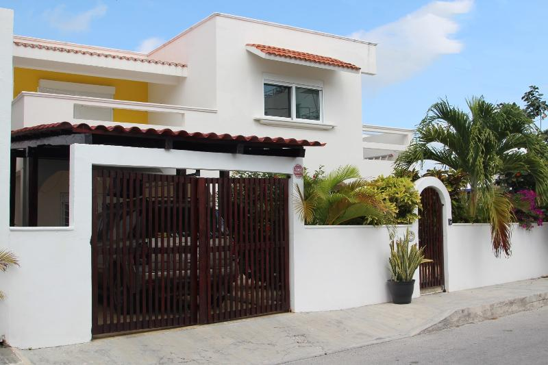 Casa de la Serenidad is located on Ave Rojo Gomez right on the beach access.