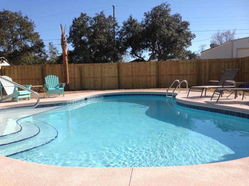 ***NEW in 2015, in-ground, saltwater pool with privacy fence at Bella by the Beach!***