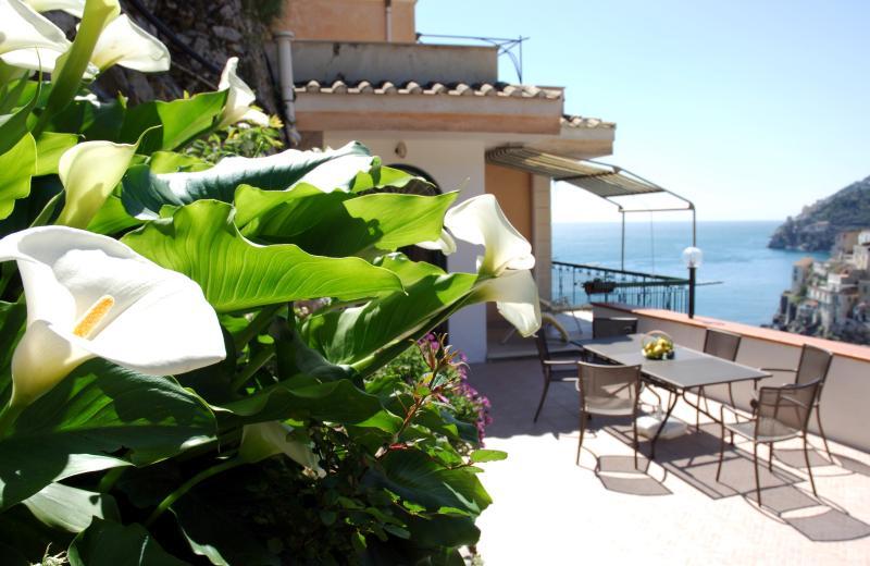 Home Fiorita Sea View, location de vacances à Minori