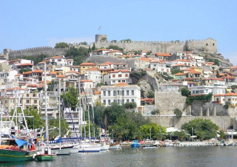 small view of Kavala with the Frureo castle at the top. The aqua duct supplied water to the castle