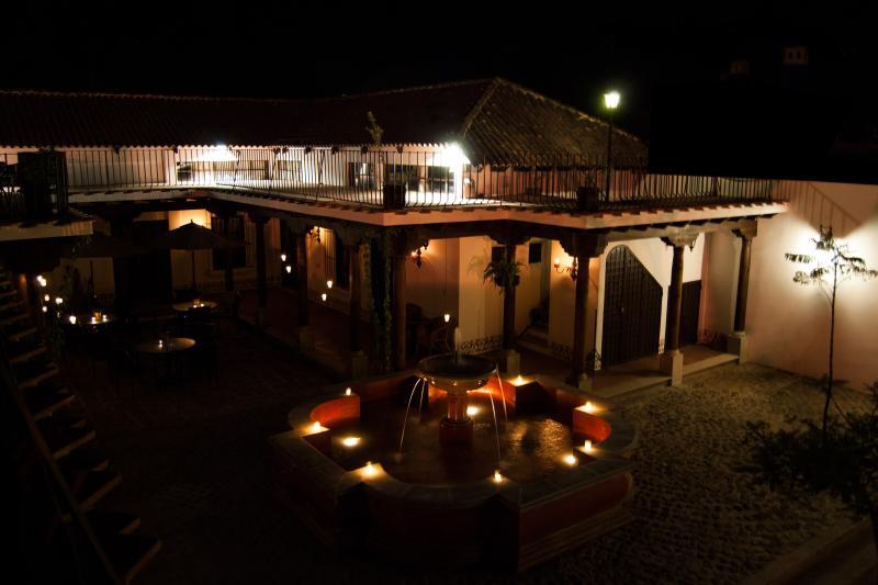 Villas de la Ermita 06 / Night View