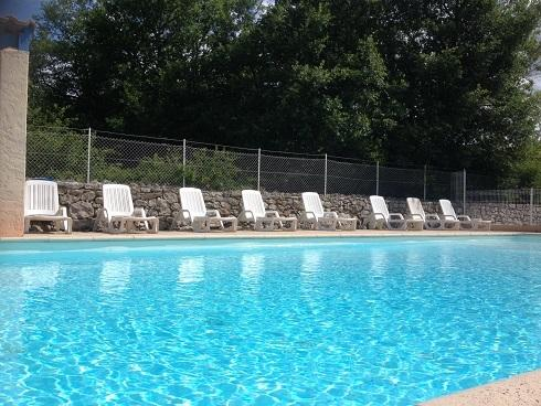 A Balazuc, Gites Le Frigoulet + piscine, holiday rental in Uzer