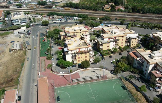 Veduta aerea complesso residenziale.