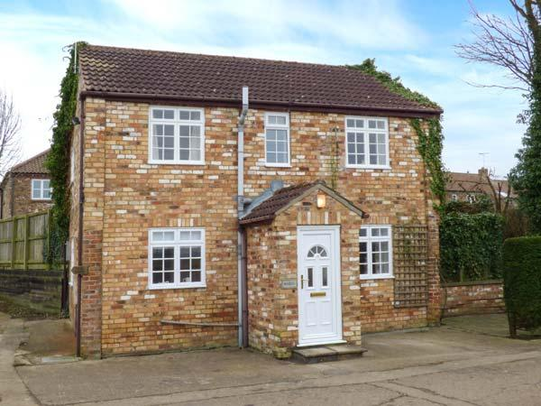 WOODLEA, shared courtyard, pet-friendly, WiFi, in Pocklington, Ref 30531, casa vacanza a Fimber