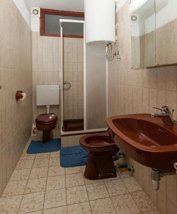 Danijela (4 + 1): badrum med toalett