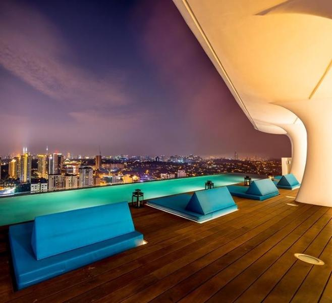 Designer Suite with Luxurious Sky Facilities, holiday rental in Kuala Lumpur