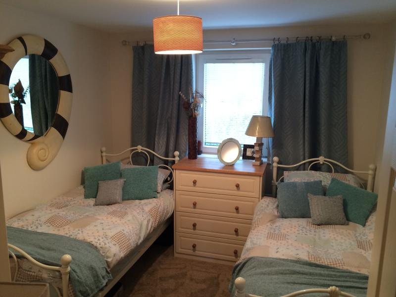 second bedroom with single beds