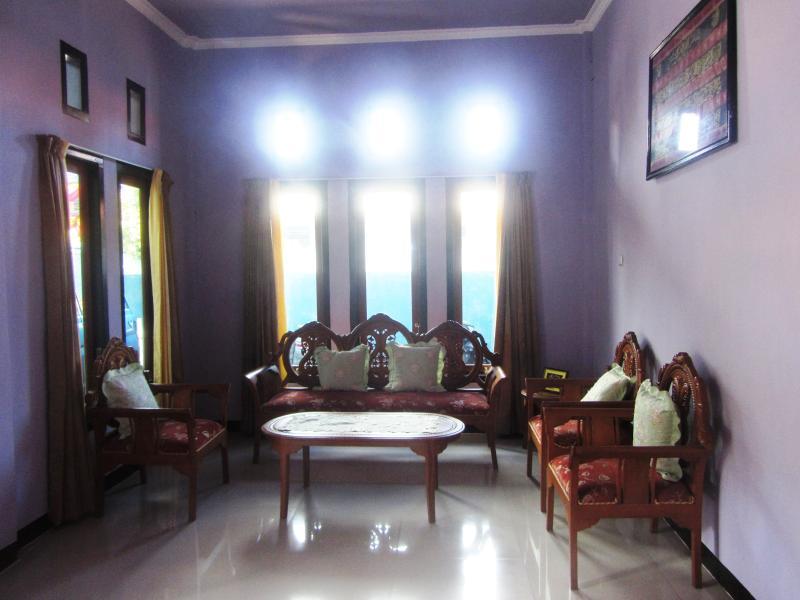 KURNIA HOMESTAY, holiday rental in Maluku Islands