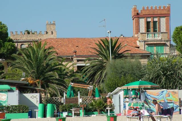 Apartamento de 2 habitaciones en Tortoreto Lido, holiday rental in Province of Teramo