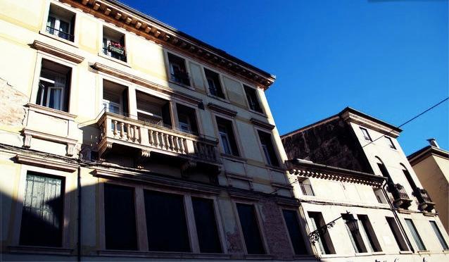 Fantastica vista sulla principale piazza Garibaldi!