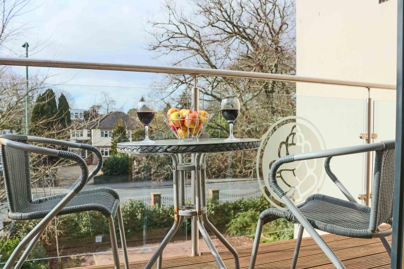 Southampton Serviced Apartments, holiday rental in Eastleigh