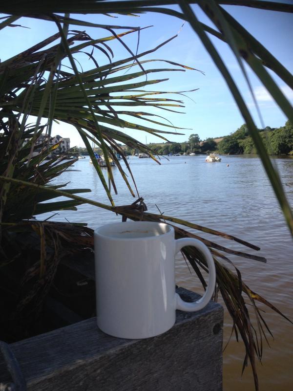 Coffee at a local pub on the Kingsbridge Estuary