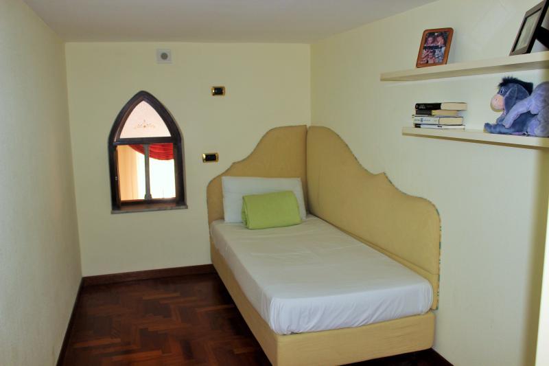 Single room (upper level)