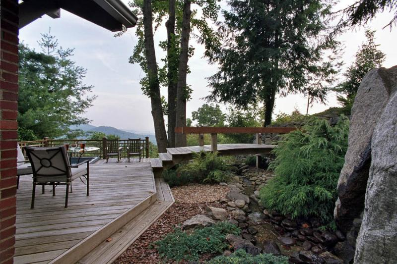 Cottage - Long Range Views from a Large Private Deck