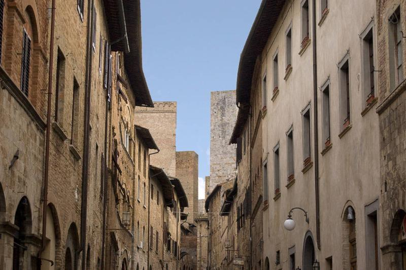 We are here! in the historical center of san gimignano. We are on main street near the towers and museum