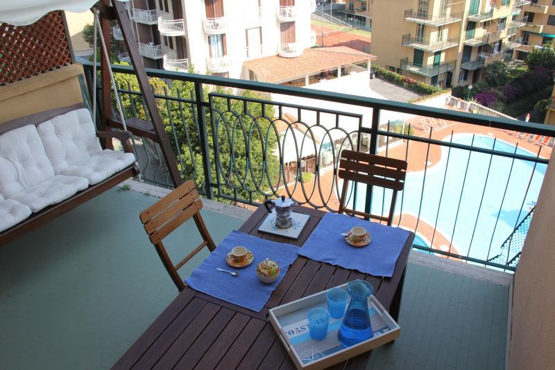 ITALIAN RIVIERA HOLIDAY CHARMING APARTMENT, Ferienwohnung in Ranzi