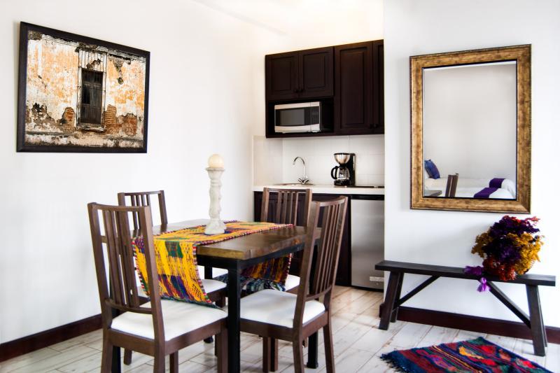 Villas de la Ermita 06 / Dinning Room & Kitchen
