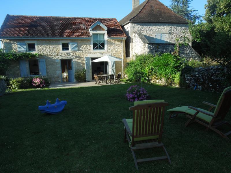 Les Mirlifilous - Vallee de la Dordogne, vacation rental in Lanzac
