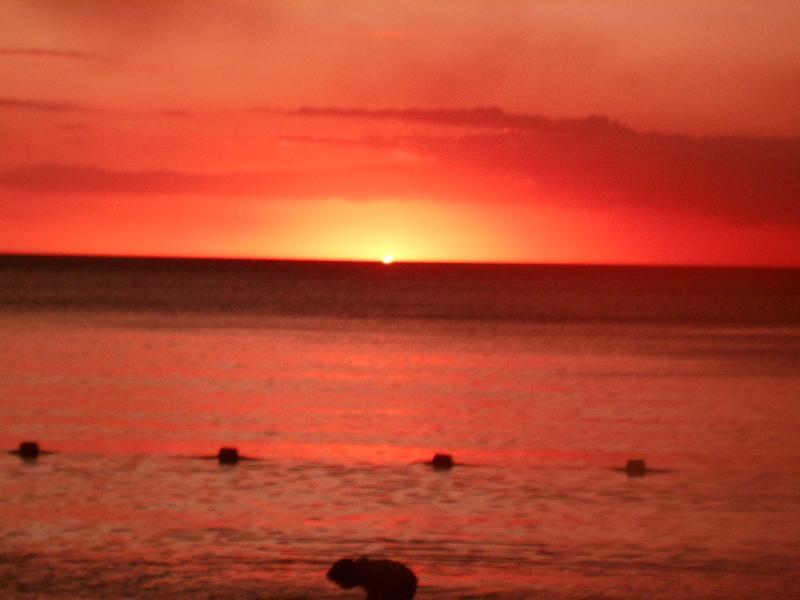 Résidence Fleur de cannes soleil couchant sur la plage de mon choisy à 10 minutes à pied