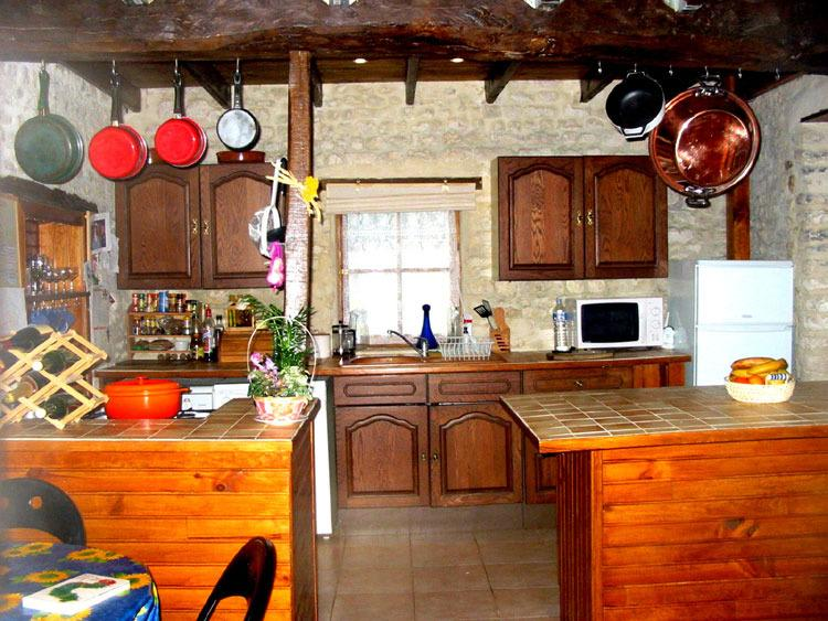 Columbard kitchen. All the kitchens feature a full-sized gas oven/hob, dishwasher and w/m