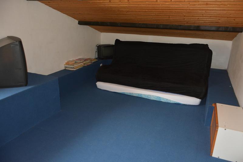 Mezzanine séjour (salle de jeux avec 3 couchages)