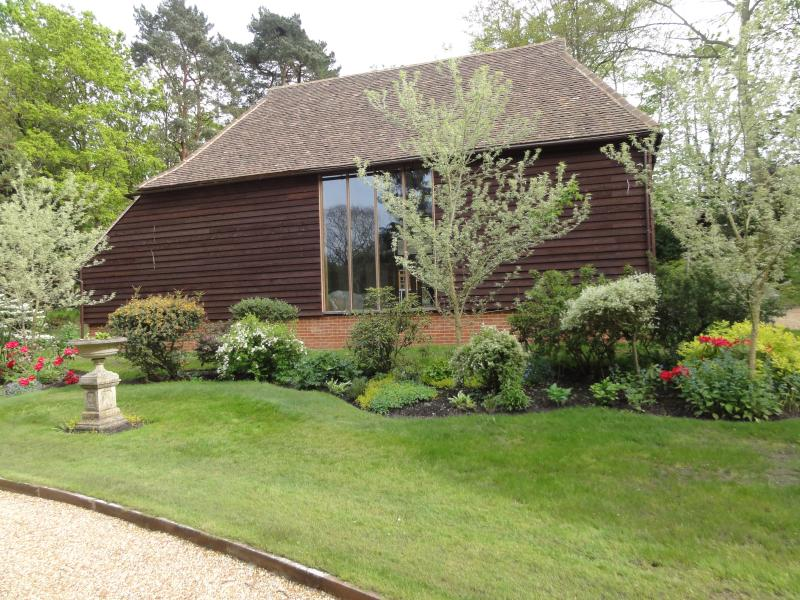 COWSHOT MANOR Queens Road, Brookwood, Surrey  UK, holiday rental in Sandhurst