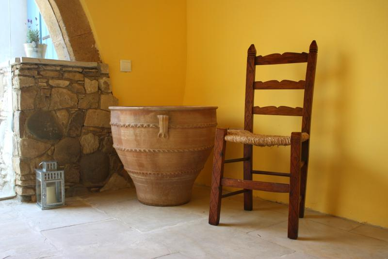 Aperanti Agrotourism B&B-double room upper floor, Ferienwohnung in Nikosia