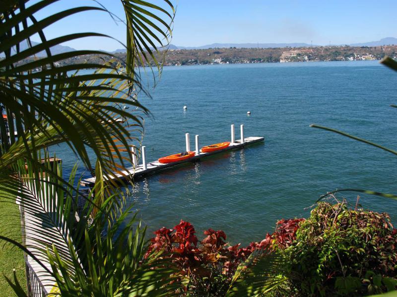 Lago de Tequesquitengo/Lake Tequesquitengo