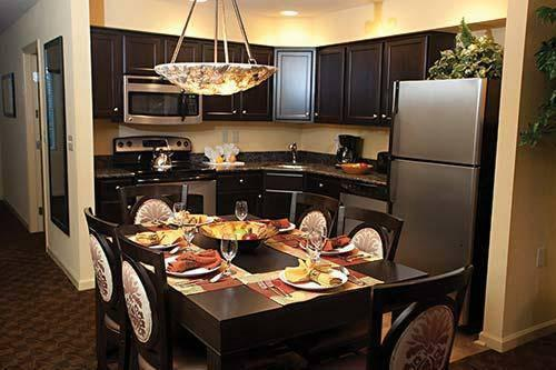 Family Getaway near Busch Gardens Williamsburg sleeps 6!, holiday rental in Williamsburg